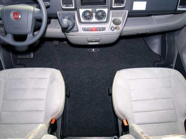 Fahrerhausteppich Ford ab 2004-2006 Basic, Handbremse links Fahrertür