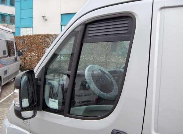 Fahrerhaus Lüftungsgitter: Be- und Entlüftung für die Fahrerhaustür